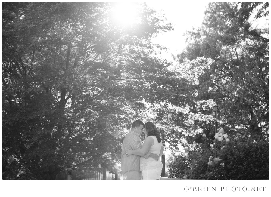 Cora & Jimmie: Engagement Photos at Forest Park